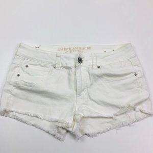 5/$25 ♥️ American Eagle White Denim Shortie Shorts